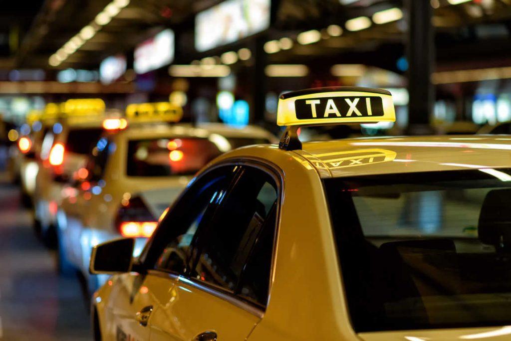 Los taxistas, en busca de potenciar la seguridad en sus servicios